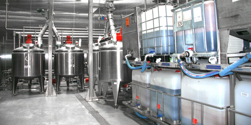 Automatic fluid dosing and sour-dough tank filling system from Powder Technic