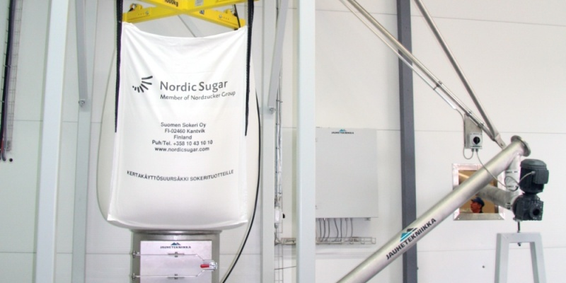 Dosing of sugar to mixer in dairy. Juustoportti Oy, Finland