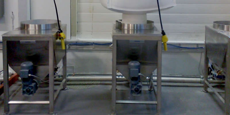 Dosing of ingredient in bigbags to a dry mixing process in flour mill.